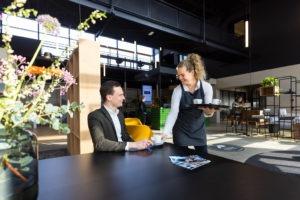 """<img src=""""koffie_in_de_lobby.jpg"""" alt=""""Frame_Offices_Atoomweg""""/>"""